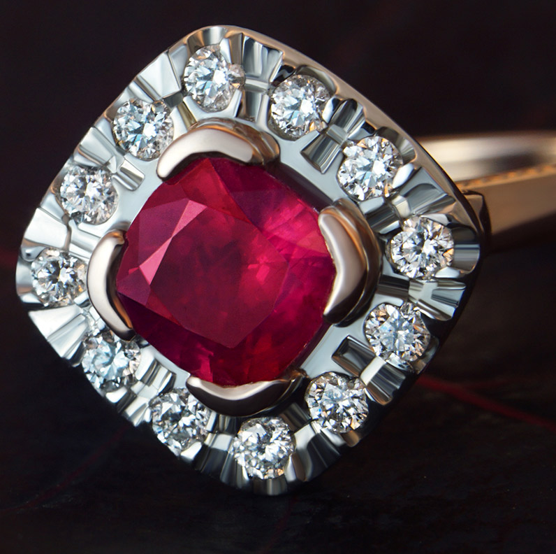 Ring-9960-Stiking-Ruby-and-diamond-engagement-ring-with-millgrain-detail_9.jpg