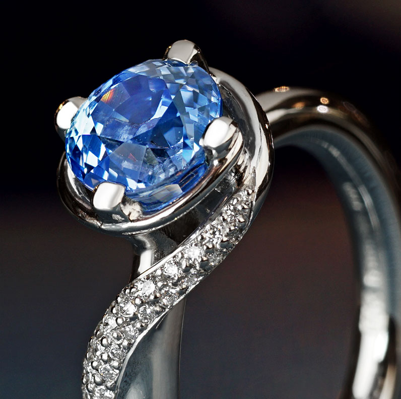 13063-spinning-top-inspired-platinum-ring-with-sapphire-and-diamonds_9.jpg