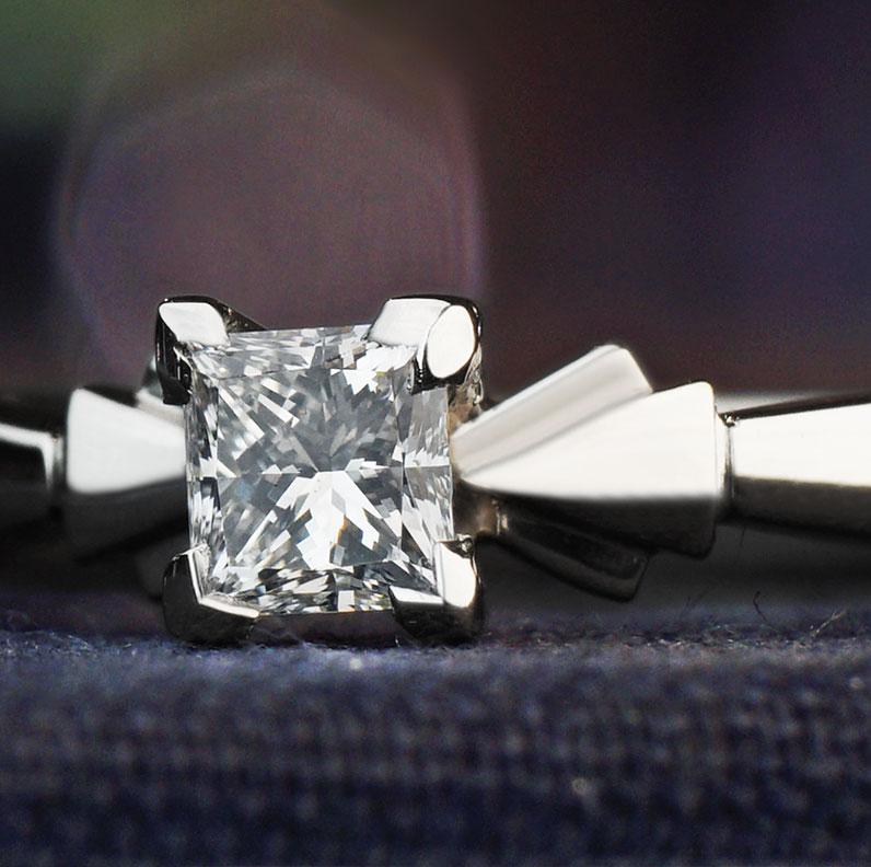 13137-art-deco-inspired-034ct-princess-cut-diamond-palladium-engagement-ring_9.jpg