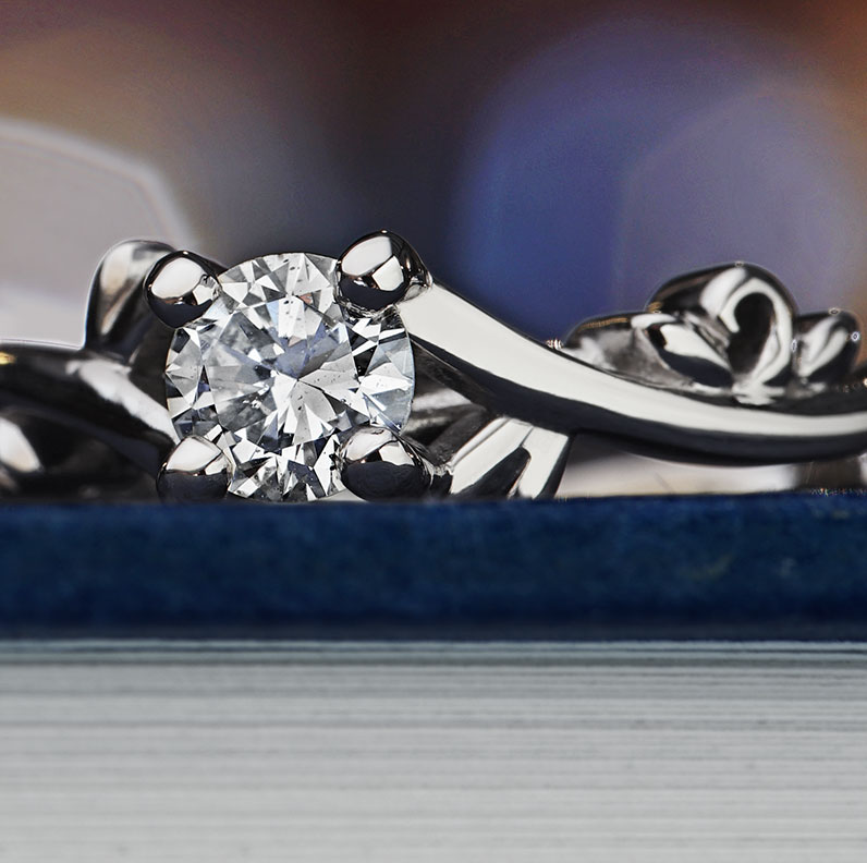 13251-vine-inspired-engagement-ring-with-a-recycled-diamond_9.jpg