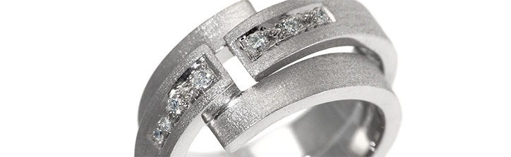 Diamond Fitted Engagement Ring