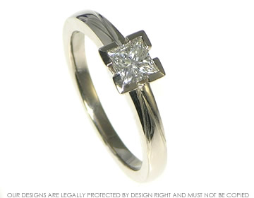 18ct white gold and diamond engagement ring