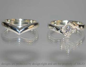 ring in v shape