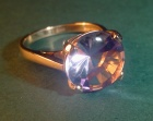 amethyst and 9ct gold ring
