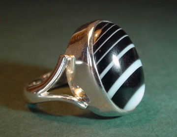 black and white onyx ring (small)