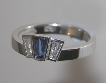 18ct white gold sapphire and diamond engagement ring