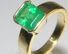 18ct yellow gold and emerald dress ring