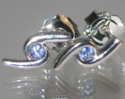 9ct white gold earrings with blue sapphire