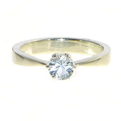 9ct white gold engagement ring with 0.42ct aquamarine