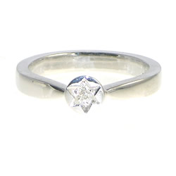 star inspired white gold engagement ring with trilliant 0.07cts diamond