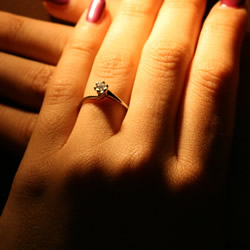 twist style platinum diamond solitaire engagement ring