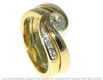 Fays 18ct yellow gold and diamond fitted wedding ring
