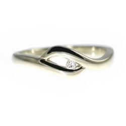 wagtail inspired fairtrade and fairmined gold engagement ring