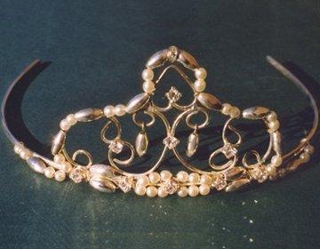 a victorian inspired classic tiara