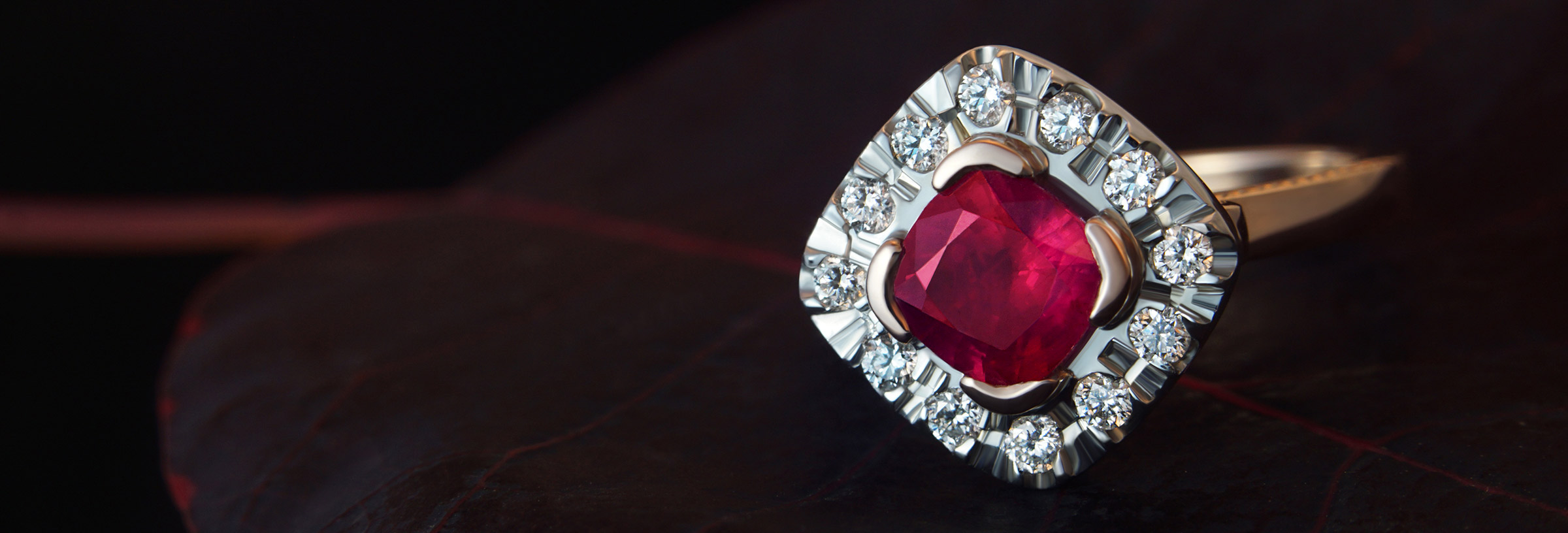 1.35ct ruby, diamond, 9ct rose and white gold ring