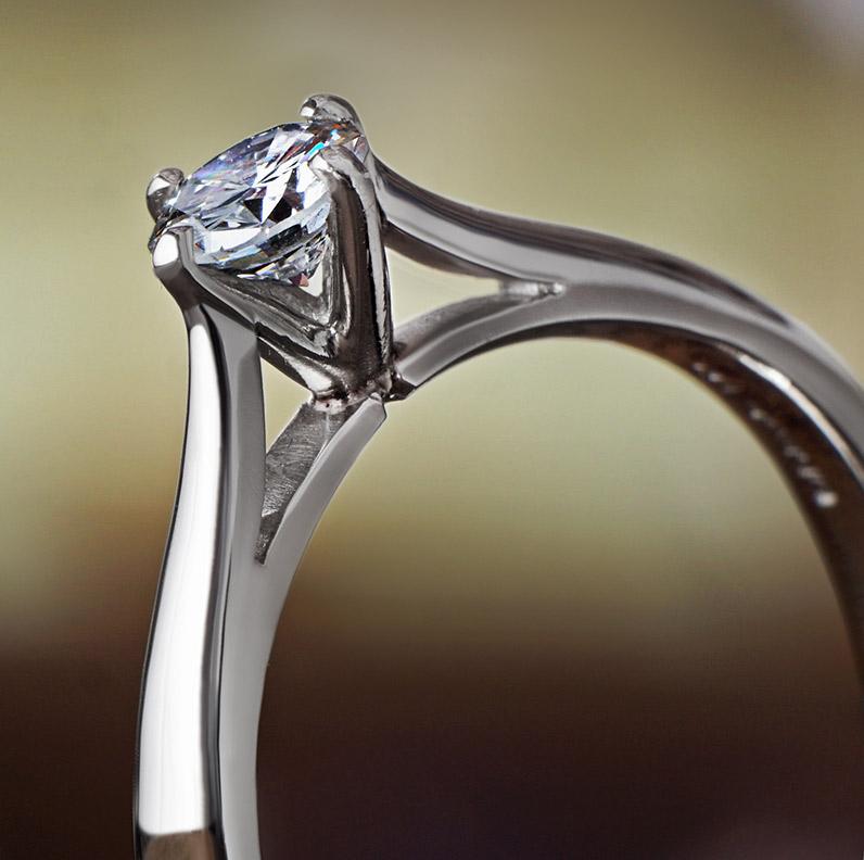 Ring-11163-Classic-platinum-and-diamond-engagement-ring_9.jpg