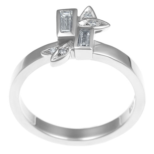 nature-inspired-palladium-engagement-ring-holding-021ct-h-si-diamonds-11413_3.jpg