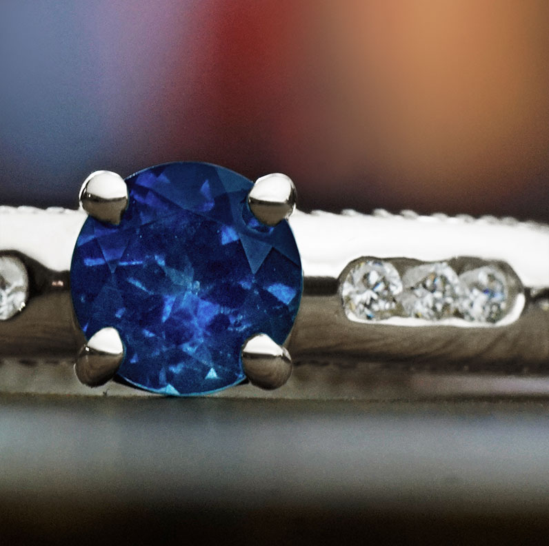 11889-cornflower-blue-061ct-sapphire-diamond-and-9ct-white-gold-engagement-ring_9.jpg
