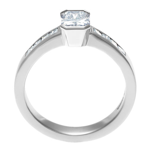 platinum-engagement-ring-with-radiant-and-princess-cut-diamonds-totalling-099ct-11960_3.jpg