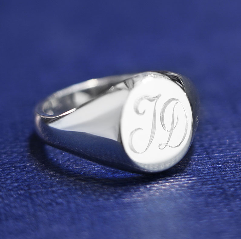 12165-Customisable-Sterling-silver-oval-signet-ring_9.jpg