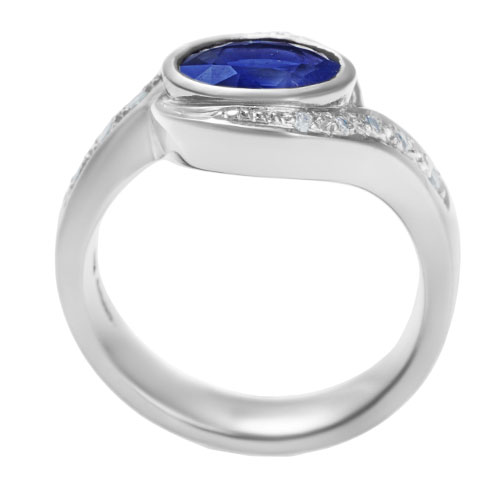 twist-style-144ct-sapphire-and-pave-set-diamond-engagement-ring-12641_3.jpg