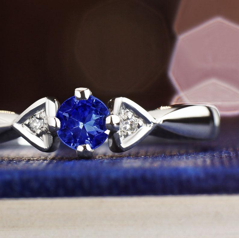 12922-025ct-ceylon-sapphire-and-004ct-diamond-and-palladium-engagement-ring_9.jpg