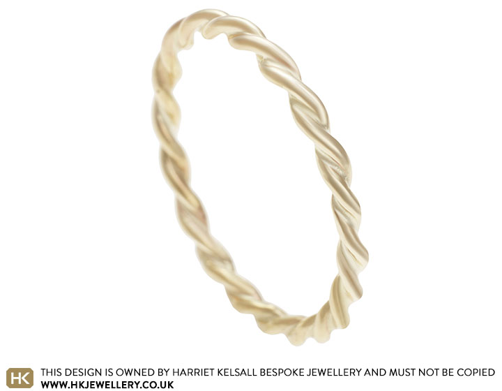9ct-yellow-gold-celtic-twist-ring-with-a-polished-finish-12999_2.jpg
