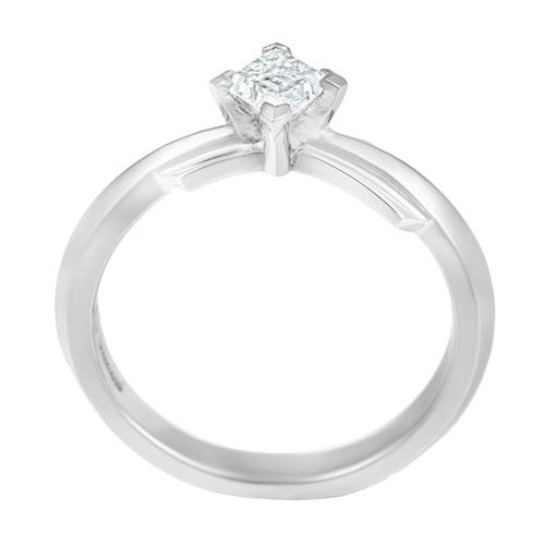 dramatic-042-carat-diamond-engagement-ring-inspired-by-the-london-skyline-13108_3.jpg