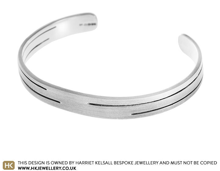 218-sterling-silver-satinised--bangle-inspired-by-contemporary-architecture_2.jpg