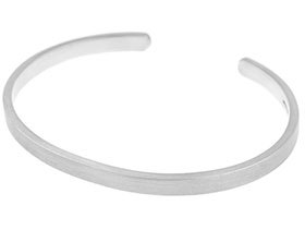silver-hallmarked-hand-forged-torque-style-bracelet-with-satin-finish-259_1.jpg