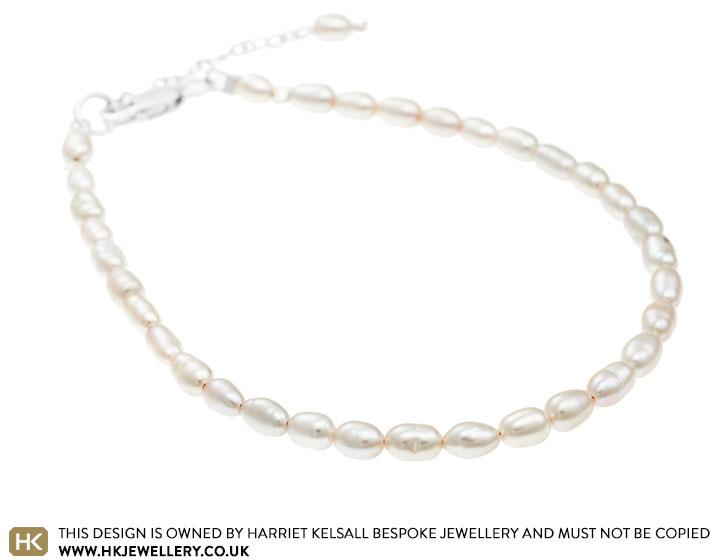 ivory-seed-pearl-one-strand-bracelet-3137_2.jpg