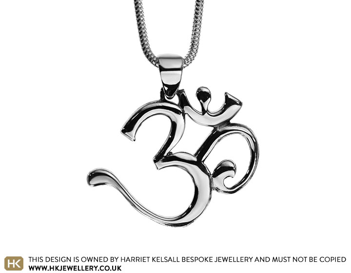 sterling-silver-om-pendant-on-silver-snake-chain-3432_2.jpg