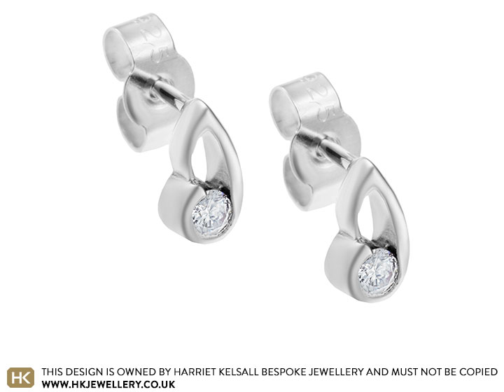 sterling-silver-ribbon-inspired-014ct-diamond-earrings-4796_2.jpg