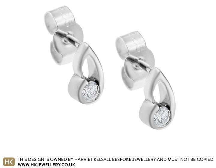 sterling-silver-ribbon-inspired-014ct-diamond-earrings-4796_2.jpg