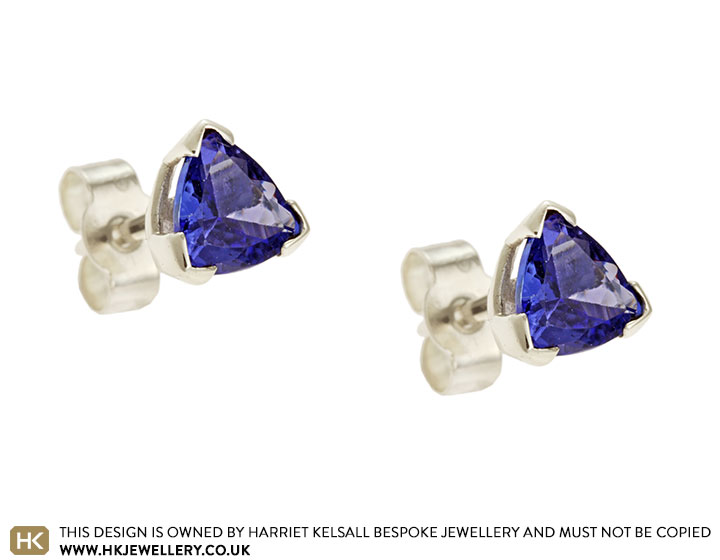 6mm-trilliant-cut-tanzanite-earrings-in-9ct-white-gold-5023_2.jpg