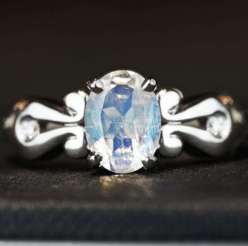 13639--Victorian-inspired-palladium-moonstone-and-diamond-engagement-ring_9.jpg
