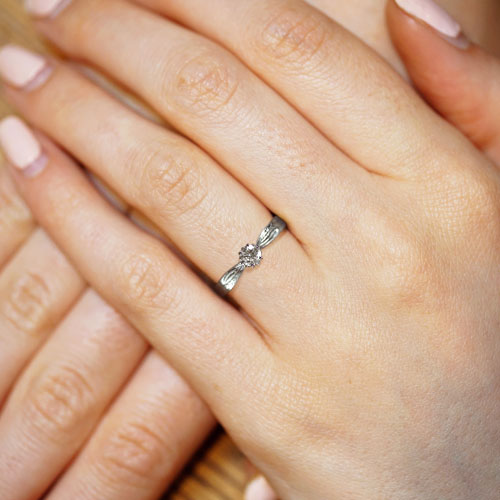 16424-Willow-leaf-inspired-palladium-engagement-ring_5.jpg