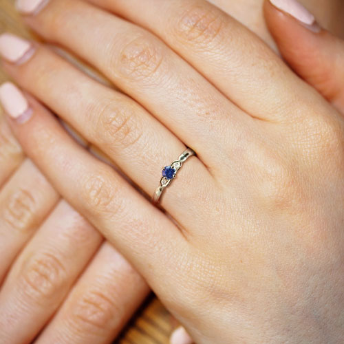 16525-delicate-9-carat-white-gold-sapphire-and-diamond-engagement-ring_5.jpg