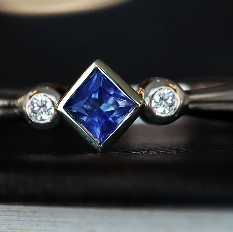 16526-geometric-style-square-sapphire-and-brilliant-cut-diamond-9-carat-white-gold-engagement-ring_9.jpg