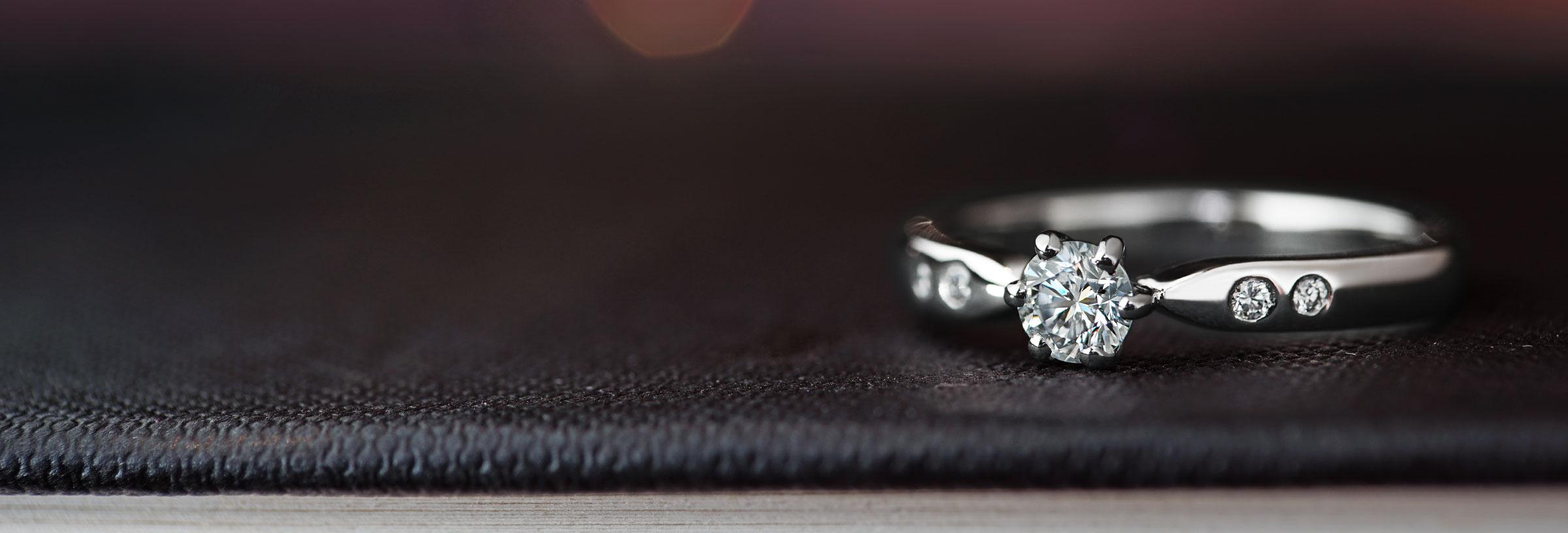 Delicate 0.31ct diamond engagement ring