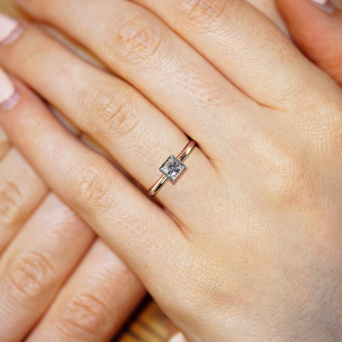 16371-Mixed-metal-and-0-24ct-diamond-engagement-ring-2_5.jpg