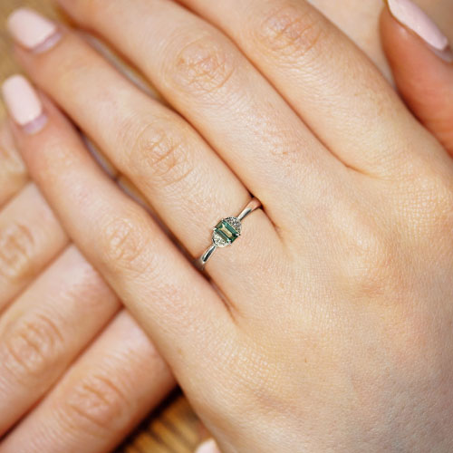 16848-Fairtrade-9ct-white-gold-dark-green-sapphire-engagement-ring_5.jpg