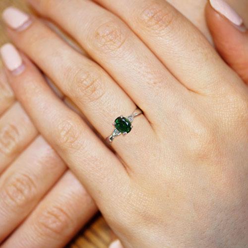 16884-Palladium-0-91ct-oval-cut-tourmaline-and-0-03ct-diamond-engagement-ring_5.jpg