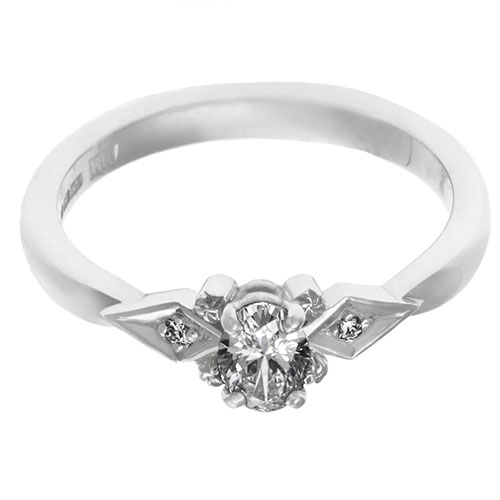 16991_oval-cut-diamond-with-vintage-design-palladium-ring_6.jpg