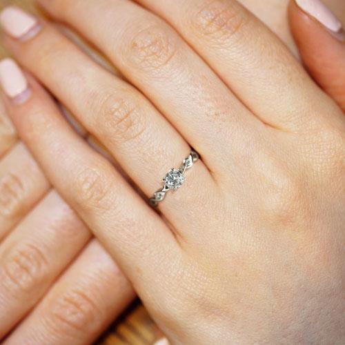 17103-Fairtrade-9-carat-white-gold-woven-engagement-ring_5.jpg