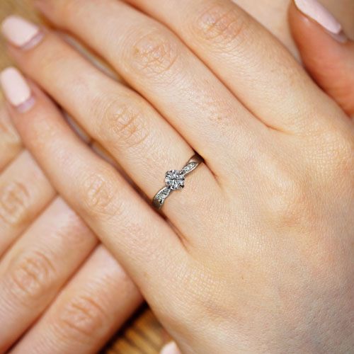 17104-platinum-and-diamond-engagement-ring-with-assymetric-pave-set-diamonds_5.jpg
