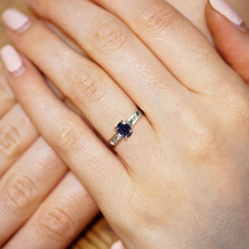 8425-1-09ct-colour-change-sapphire-recycled-diamond-and-18ct-white-gold-engagement-ring_5.jpg