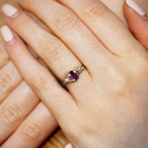 17120-fairtrade-9ct-white-gold-inspired-by-celtic-designs-with-central-oval-amethyst_5.jpg