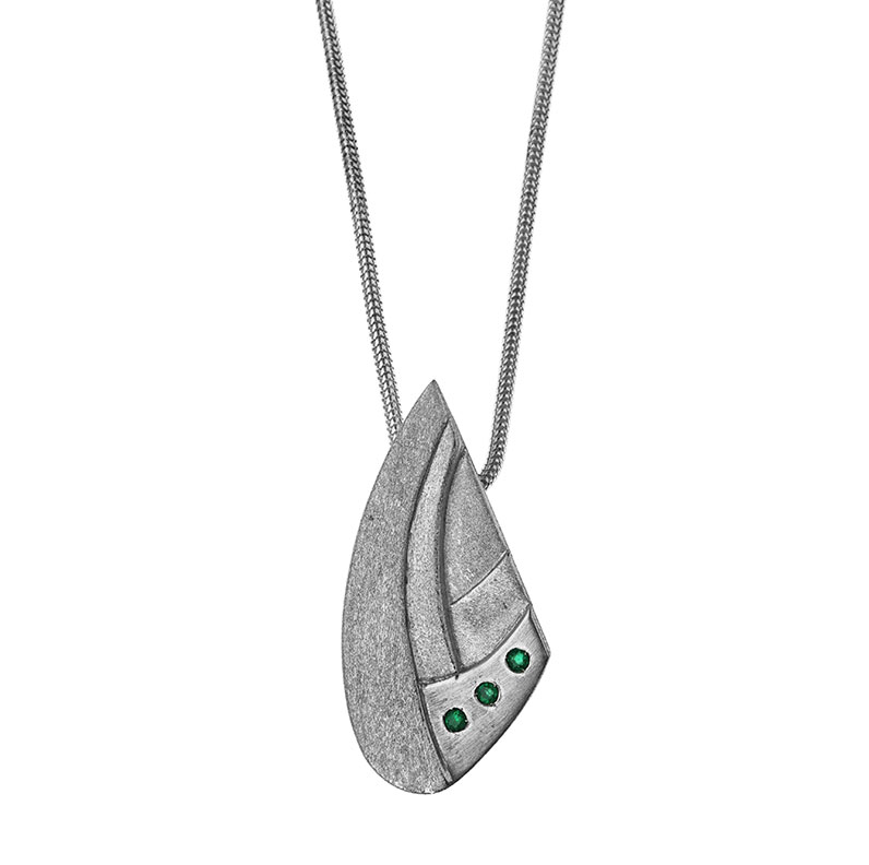 16595-Sydney-Opera-house-inspired-Sterling-silver-and-emerald-pendant_9.jpg