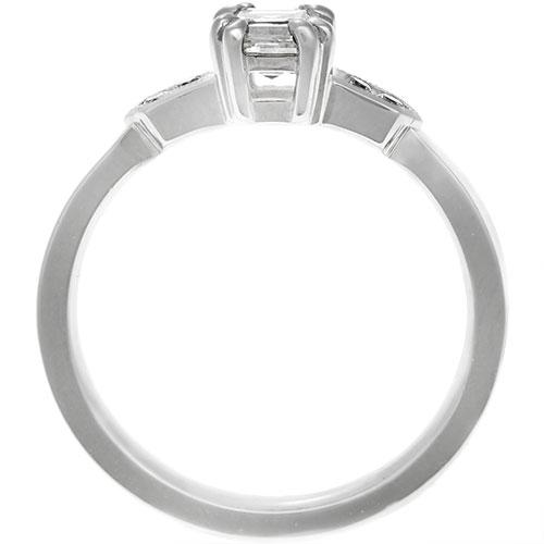17475-palladium-carre-cut-diamond-with-geometric-shoulder-detailing_3.jpg
